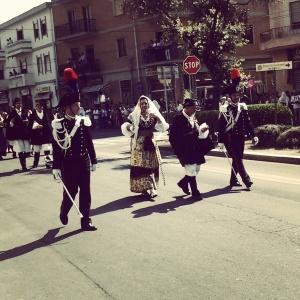 Matrimonio selargino 2012 - La sposa in processione