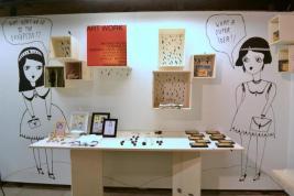 La Fille Bertha - illustrazioni su parete bookshop del castello di san michele