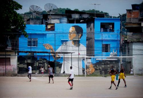 Haas & Hahn - Favela painting