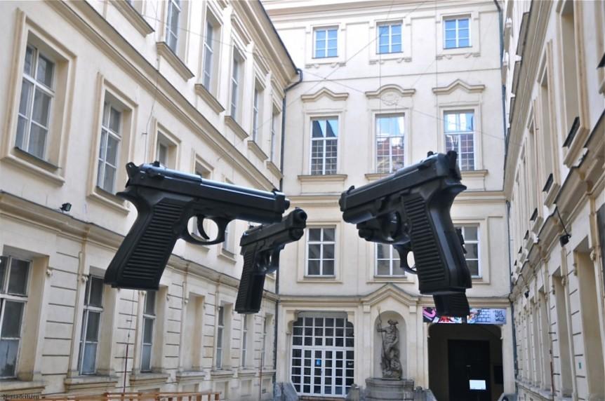 David Cerny - Guns