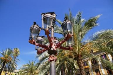 Lampioni di Plaça Reial