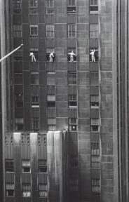 1958 lavavetri sulla 48th Street - New York - Foto di Inge Morath