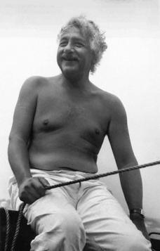 Albert Einstein in barca, 1945. Foto di Sergey Konenkov