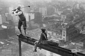 Golf atop a skyscraper - New York - 1932