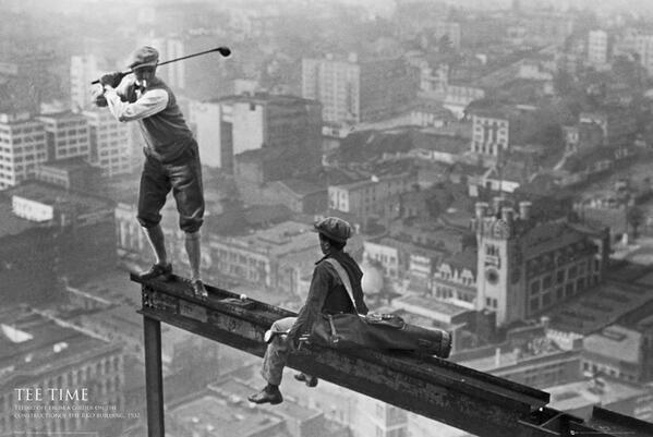 Golf atop a skyscraper - New York - 1932