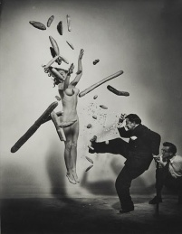 Halsman Dalì - Nude Popcorn, 1949