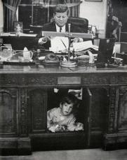 JFK e JFK, Jr. nello studio ovale