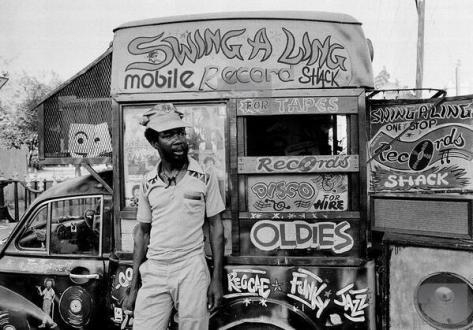 Negozio di dischi mobile, Jamaica, 1973