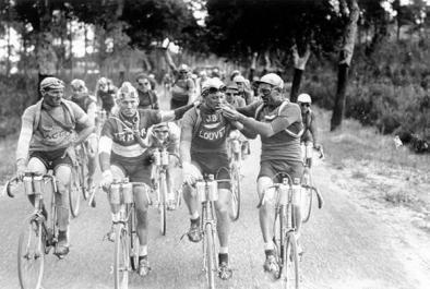 Smoking a cigarette while riding the Tour de France - 1920