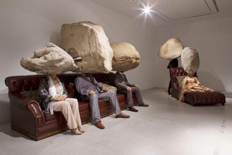 Installazione degli artisti cinesi Sun Yuan e Peng Yu