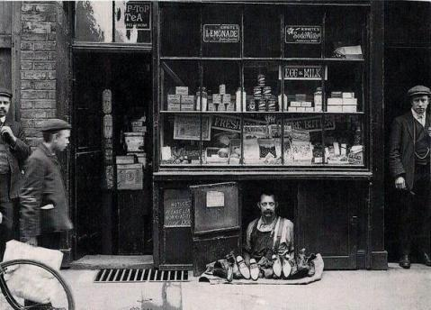 The smallest shop in London - c. 1900