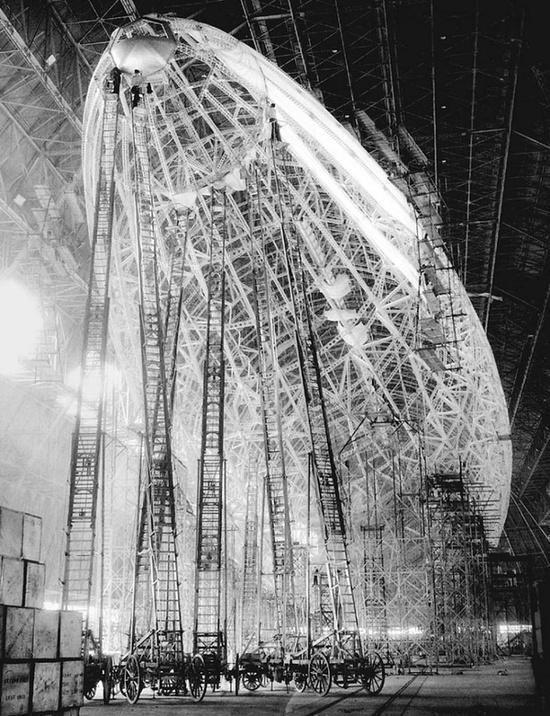 Lo Zeppelin in costruzione circa. 1935
