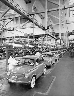 Catena di montaggio a Mirafiori anno 1955