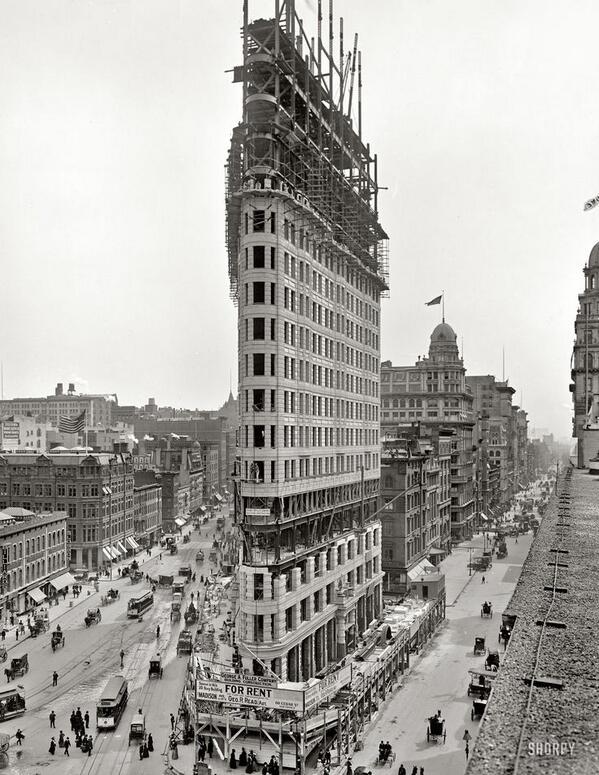 Flatiron Building, New York. Il punto di riferimento di Manhattan in fase di costruzione. 1902