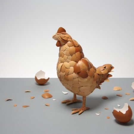 """The Hen"" dell'artista inglese Kyle Bean"