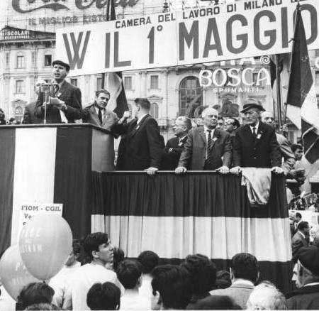 Manifestazione del primo maggio - Piazza del Duomo, 1968