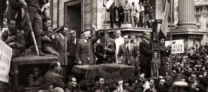 Sandro Pertini a Milano durante un 1 maggio negli anni Quaranta