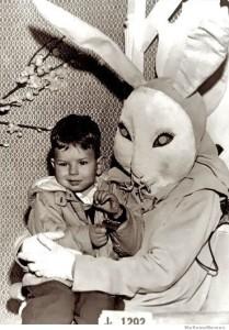 Spaventoso coniglio di Pasqua