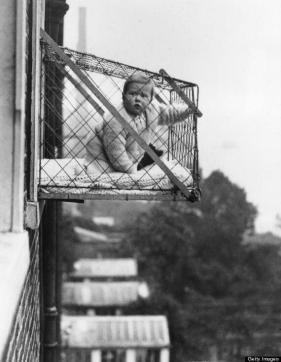La gabbia del bambino per le famiglie senza giardino, 1937