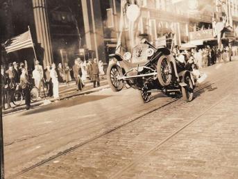 La prima impennata mai fotografata, 1936