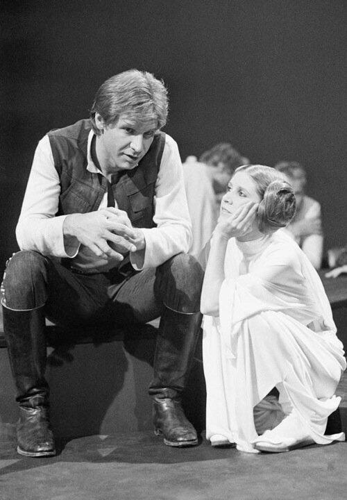 Harrison Ford e Carrie Fisher sul set di Star Wars, 1976