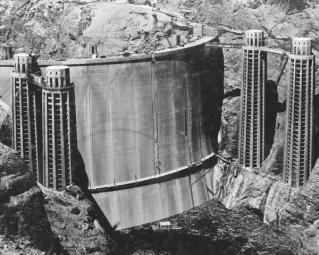 Una rara foto della diga di Hoover prima di essere riempita d'acqua 1936