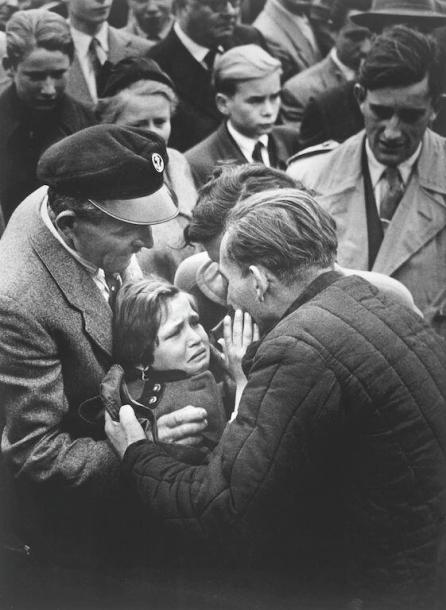 Un prigioniero della Seconda Guerra Mondiale tedesco, rilasciato dall'Unione Sovietica, si riunisce con sua figlia