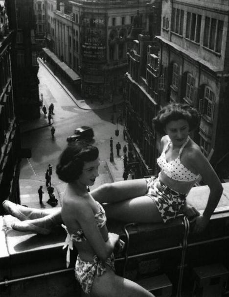 Piccadilly Rooftop, Londra, circa 1953