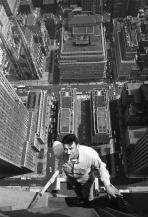 Lavavetri in un palazzo di New York, 1950