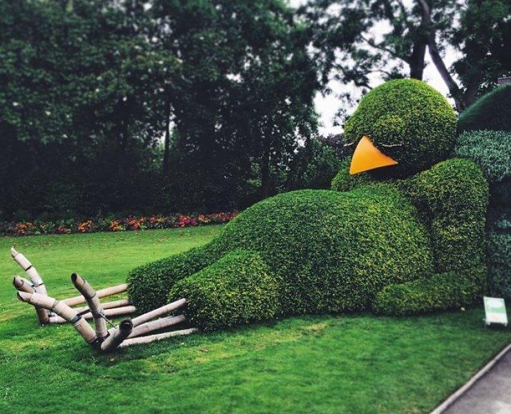 """Poussin Endormi"" dell'artista franceseClaude Ponti"