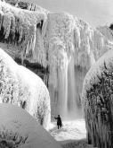 Le Cascate del Niagara congelate durante l'inverno del 1911