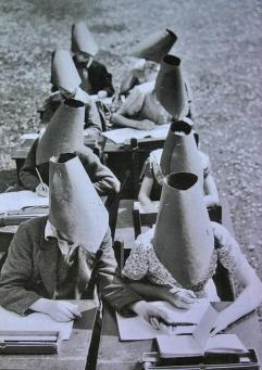 Cappelli anti-copia da usare a scuola
