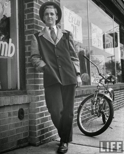 Adolescente vestito per il fine settimana, 1945 (via LIFE)