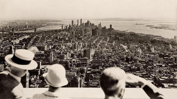 Vista dalla cima dell'Empire State Building il giorno dell'inaugurazione nel 1931