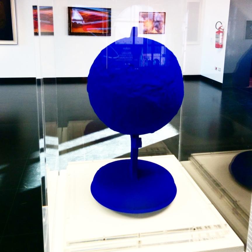 Milano - Museo del 900 - Opera di Yves Klein
