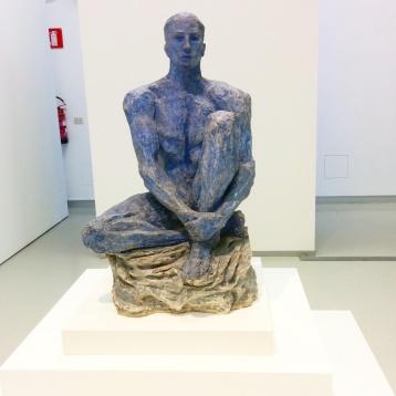 Milano - Museo del 900 - Scultura di Lucio Fontana