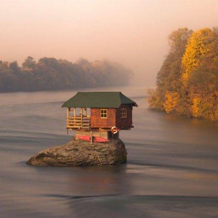 """""""La casa sul fiume""""della fotografa slava Irene Becker"""