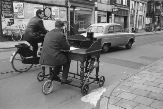 Ufficio mobile, 1961