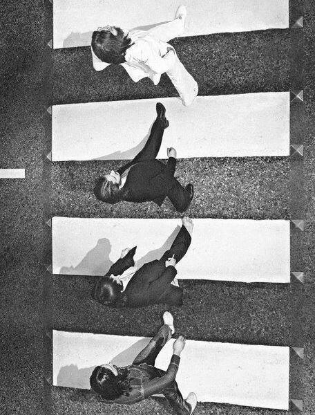 I Beatles che attraversano Abbey Road 1969