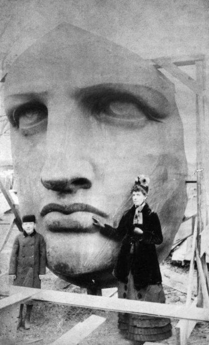 Il disimballaggio della testa della Statua della Libertà 1885