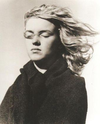 Norma Jeane Mortenson a 20 anni, colei che ha poi cambiato il suo nome in Marilyn Monroe, 1946 (Foto di Andrés de Dienes)