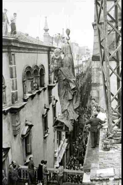 Barcellona - lavori nella calle del Arsobispo