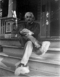 Einstein con le sue soffici pantofole