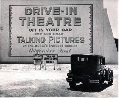 Los Angeles, 1935 (1 ° teatro drive-in nello stato)