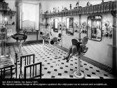 Parruccheria per bambini al Magatzems El Siglo. Barcellona. 1920