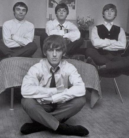 I Beatles con Jimmie Nicol, che ha suonato otto concerti durante il 1964, mentre Ringo ha avuto la tonsillite