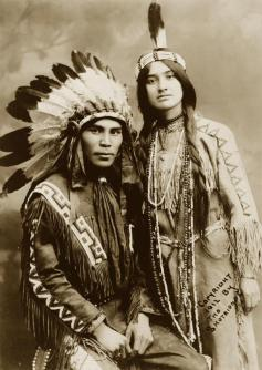 Una coppia di nativi americani