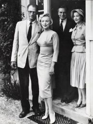 A. Miller e Marilyn con Laurence Olivier e Vivien Leigh