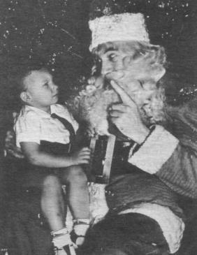 Bela Lugosi come Babbo Natale con Bela Lugosi, Jr
