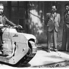 Caterpillar Track Motorcycle, febbraio 1938